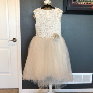 Stunning Ivory & Champagne Halabaloo Glitter Dress